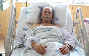 عکس اینستاگرام محمد علی کشاورز و روی تخت بیمارستان