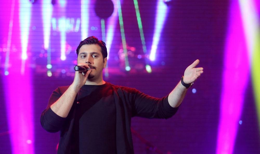 عکس اینستاگرام احسان خواجه امیری در اجرای کنسرتش