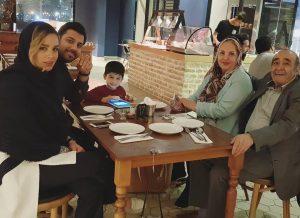عکس اینستاگرام احسان خواجه امیری در کنار خانواده