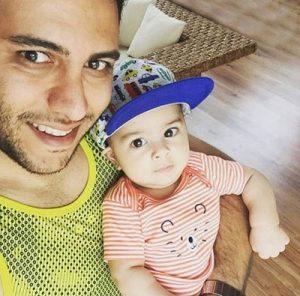 عکس اینستاگرام احسان حق شناس در کنار پسرش
