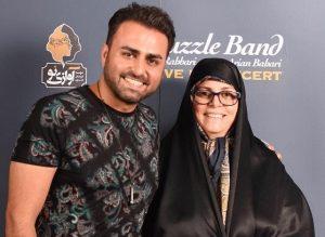 عکس اینستاگرام علی رهبری در کنار مادرش