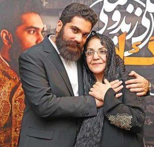 عکس اینستاگرام علی زند وکیلی در کنار مادرش