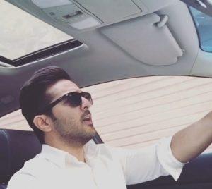 عکس اینستاگرام فریمن جبارنژاد در ماشین