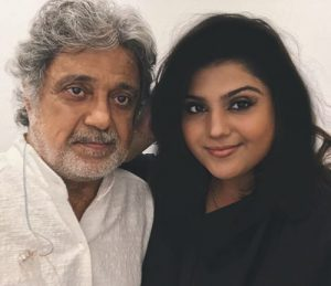 عکس اینستاگرام داریوش اقبالی در کنار دخترش