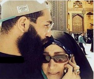 عکس اینستاگرام حمید صفت در کنار مادرش
