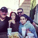 عکس اینستاگرام شهرام خسروشاهی آذر (سندی) در کنار فرزندانش