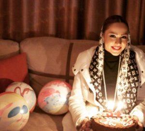 عکس اینستاگرام مهرناز دبیرزاده در تولدش