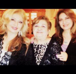 عکس اینستاگرام لیلا فروهر در کنار مادر و خواهرش