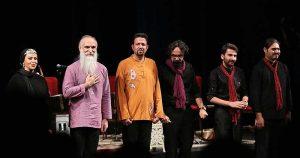 عکس اینستاگرام داوود آزاد در کنار گروهش