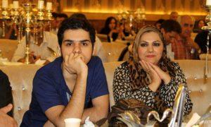 عکس اینستاگرام کسری خدیور در کنار مادرش