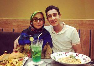 بیوگرافی فرزان عاشورزاده به همراه داستان زندگی شخصی و عکس های اینستاگرامی
