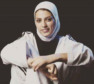 بیوگرافی اکرم خدابنده به همراه داستان زندگی شخصی و عکس های اینستاگرامی