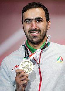 بیوگرافی علی پاکدامن