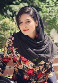 بیوگرافی زهره نعیمی به همراه داستان زندگی شخصی و عکس های اینستاگرامی