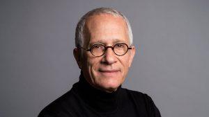 بیوگرافی جیمز نیوتن هاوارد به همراه داستان زندگی شخصی و عکس های اینستاگرامی