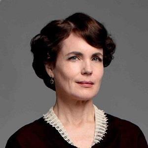 بیوگرافی الیزابت مکگاورن
