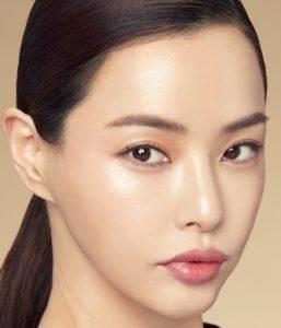 بیوگرافی لی ها نوی