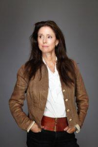بیوگرافی جولی تایمور به همراه داستان زندگی شخصی و عکس های اینستاگرامی