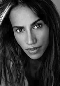 بیوگرافی نینا لیزاندریلو