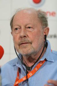 بیوگرافی نیکلاس روگ