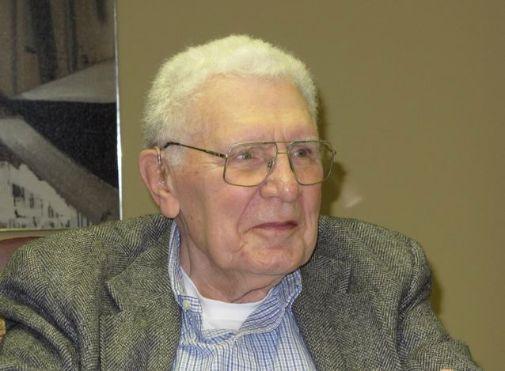 بیوگرافی راسل اکاف