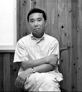 بیوگرافی هاروکی موراکامی به همراه داستان زندگی شخصی و عکس های اینستاگرامی