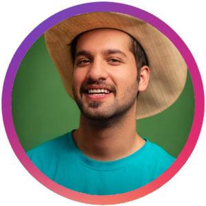 بیوگرافی محمد امین کریم پور به همراه داستان زندگی شخصی و عکس های اینستاگرامی