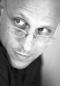 بیوگرافی اورن موورمن به همراه داستان زندگی شخصی و عکس های اینستاگرامی