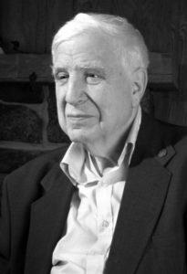 بیوگرافی راجر ایستون به همراه داستان زندگی شخصی و عکس های اینستاگرامی