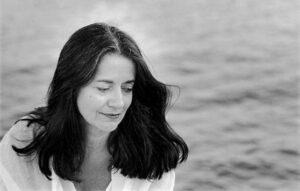 بیوگرافی النی کارایندرو به همراه داستان زندگی شخصی و عکس های اینستاگرامی
