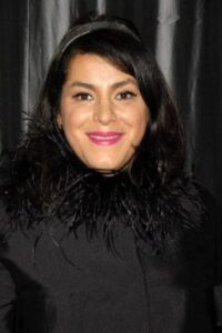 بیوگرافی مرجان ساتراپی به همراه داستان زندگی شخصی و عکس های اینستاگرامی