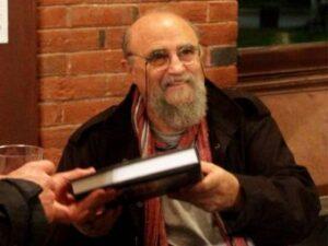 بیوگرافی عباس عطار به همراه داستان زندگی شخصی و عکس های اینستاگرامی