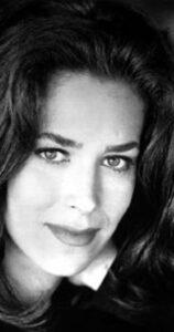 بیوگرافی کلودیا ولز به همراه داستان زندگی شخصی و عکس های اینستاگرامی