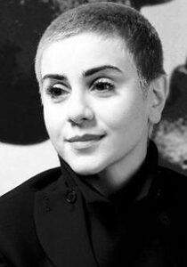 بیوگرافی مانیا اکبری